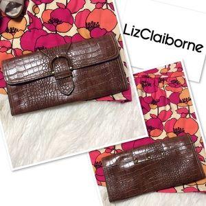 LIZ CLAIBORNE BROWN ENVELOPE CLUTCH/BAG/PURSE